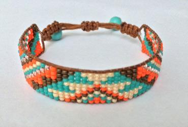 15 geweven armband gemaakt door Juul Abrahamzen