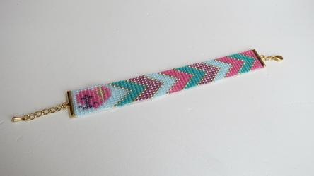 17 geweven armband gemaakt door Sanne Nijgh