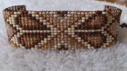 62 geweven armband gemaakt door Janet