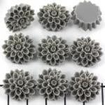 flower golden daisy 16 mm - titanium