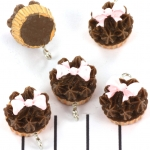 cupcake met strikje - chocolade