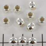 8 mm round met 5 mm hole - light silver