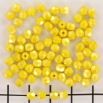 Tsjechisch facet rond 4 mm - luster opaque yellow