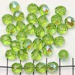 Tsjechisch facet rond 8 mm - groen olivine met ab glans
