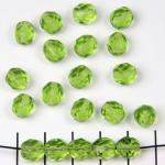 Czech faceted round 8 mm - light green olivine