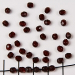 Czech faceted round 4 mm - red garnet