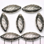 oval flat woodlike striped - silver 27 mm