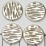 flat round striped 24 mm - silver