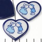 HappyDutch hart 30 mm - kussend boer en boerin