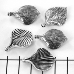 bead big leaf striped - silver