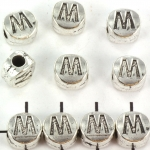 metalen alfabet letter kraal - zilver M