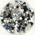 miyuki seed beads 8/0 - black and white