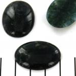 cabochon 30 x 22 mm - moss agate dark