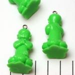 lief monnikje staand biddend - groen