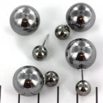 Double pearl oorbellen - metallic antraciet zilver met zilverkleurige steker