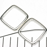 ring met rijggat vierkant - lichtzilver 38 mm