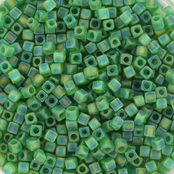 Extra foto's miyuki cubes 1.8mm - transparant matte ab green
