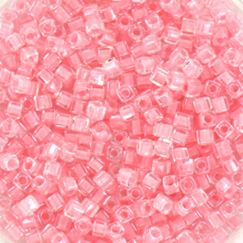 Extra foto's miyuki cubes 1.8mm - baby pink lined crystal
