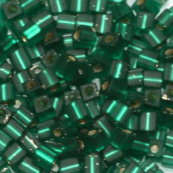 Extra foto's miyuki cubes 3mm - silverlined matte emerald