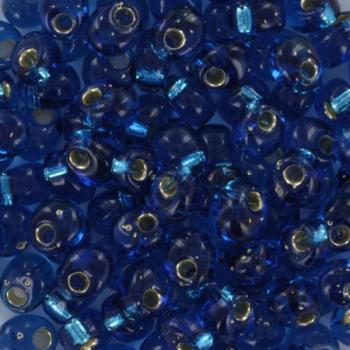 Extra foto's miyuki magatama 4 mm - silverlined capri blue