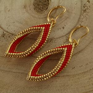 Extra foto's DIY kit twisted oorbellen - rood en goud