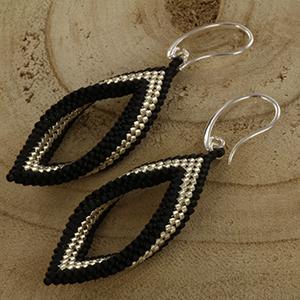 Extra foto's DIY kit twisted oorbellen - zwart en zilver